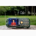 Противоударный телефон Land Rover (DBEIF D2016) 2 сим, 2, 8 дюйма, двойной фонарик, TV, 13800 м